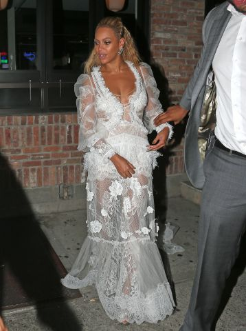 Kim Kardashian and Kayne West leave Pasquale Jones after hanging out with Swizz Beatz, Alicia Keys, Jay-Z, Beyonce, P. Diddy, and Cassie after the VMA's in New York City.