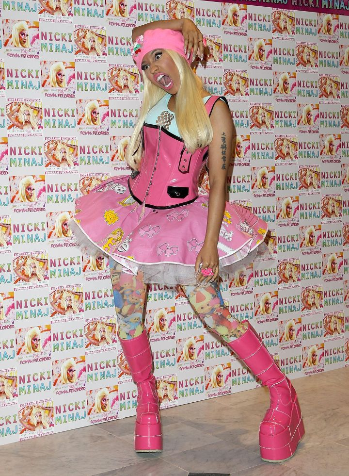 Nicki Minaj – Album Signing