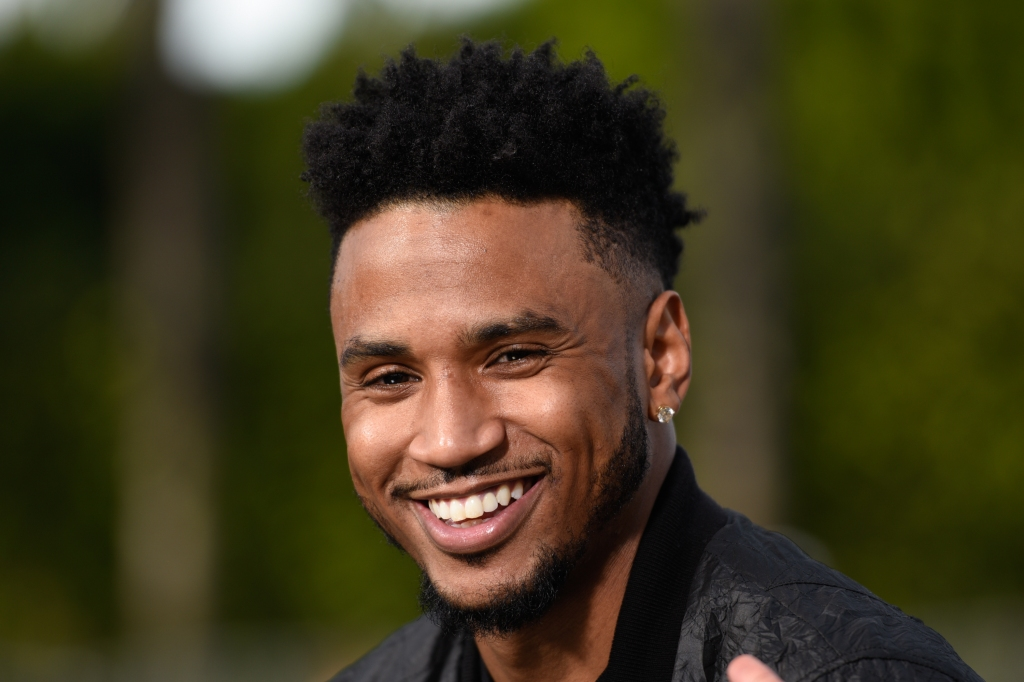 Trey Songz Visits 'Extra'